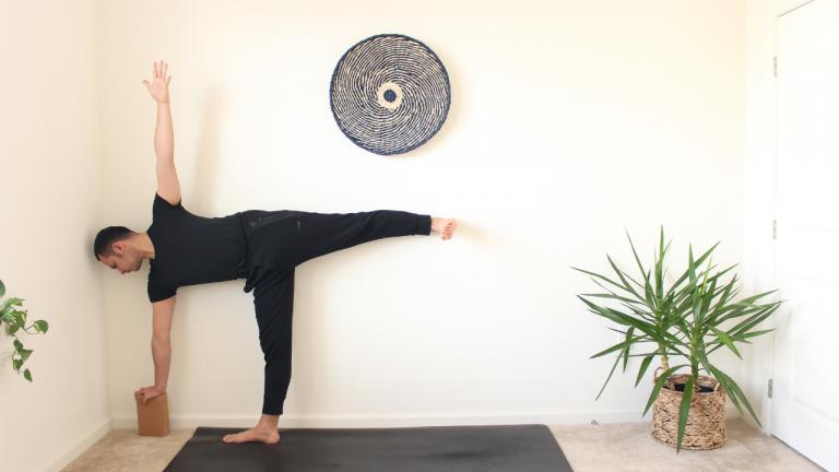 Yoga Prenatal: Posturas de Pie   20 minutos