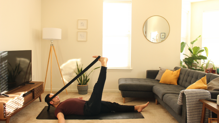 Yoga con Cinturón: Alta Espalda y Cuello | 20 minutos