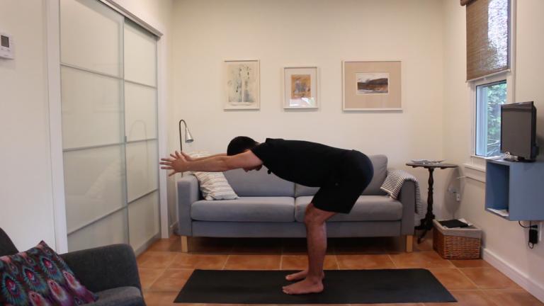 Yoga Dinámico: Construir los Saludos al Sol | 10 minutos