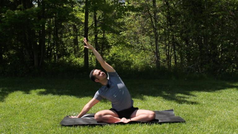 Yoga para cuando no tienes tiempo: Muévete | 8 minutos