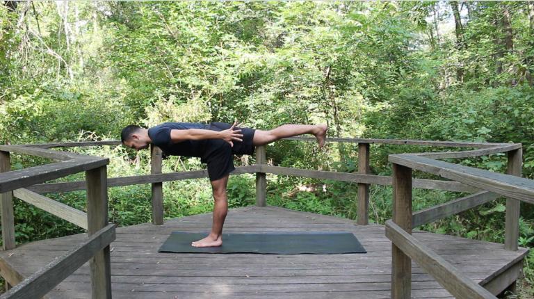 Yoga Dinámico: Fortalece tu Centro | 20 minutos